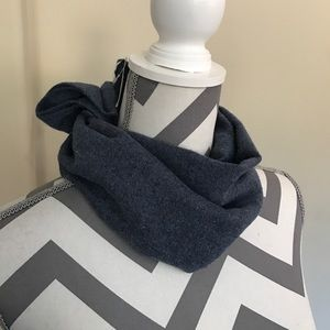 New BP. Scarf Blue Soft like cashmere Blue NWT