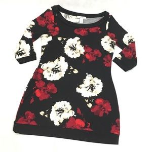 WHBM 3/4 Sleeve Black & Red Floral Tunic Top