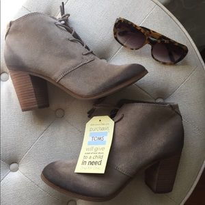 NEW!! Toms: lunata lace-up bootie sz 6.5