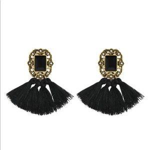 Jewelry - NEW • black gem tassel earrings