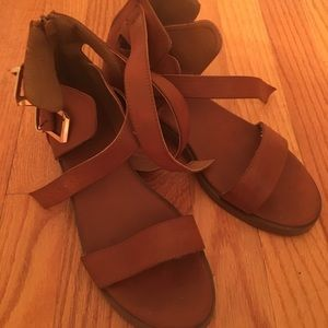 Adorable sandals NWT