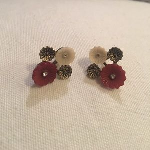 Francesca's Collections • Floral bunch earrings