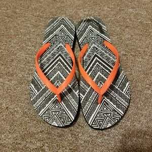 °Closet Clearance° Mossimo Flip Flops