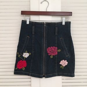LF Carmar denim flower embroidered skirt