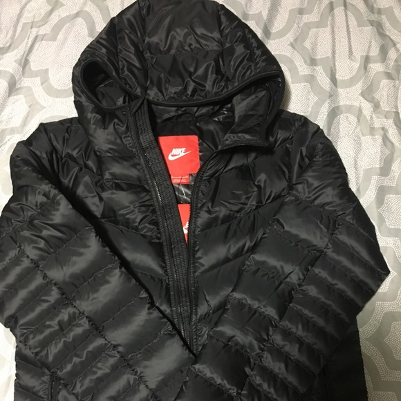 3dea3563c EUC Nike down coat - 550 Fill