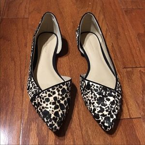 Banana republic black and white calf hair flats