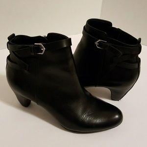 Sam Edleman booties size 6