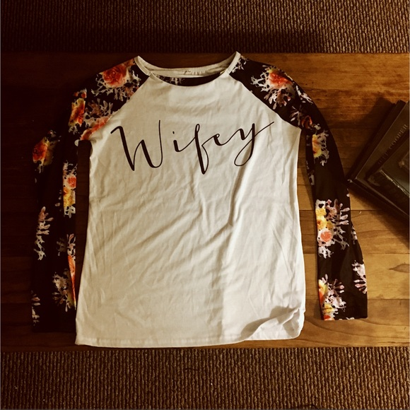 Tops - ••Wifey long sleeve shirt••