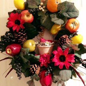 Red Cardinal Flowerpot Fruit & Veggie wreath