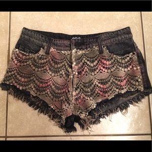Jean Shorts with Unique Knitted Detail