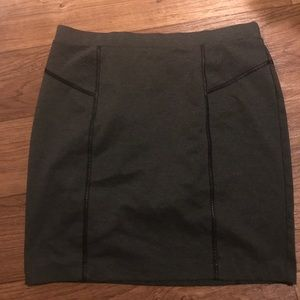 Apt 9  skirt size XL