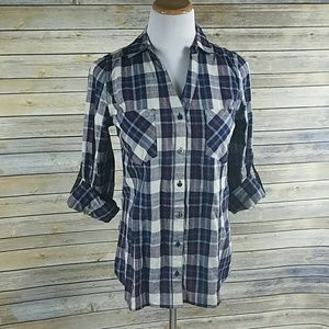 *Skies are Blue* Plaid top*