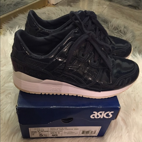 This Asics Gel Lyte 3 Comes Covered In A Navy Patent Leather