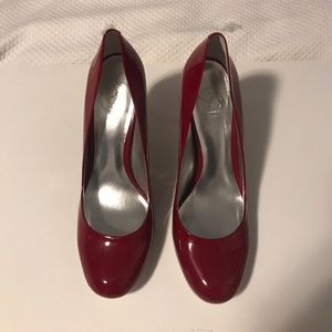 Never worn!!! Jessica Simpson Classic Red Pumps