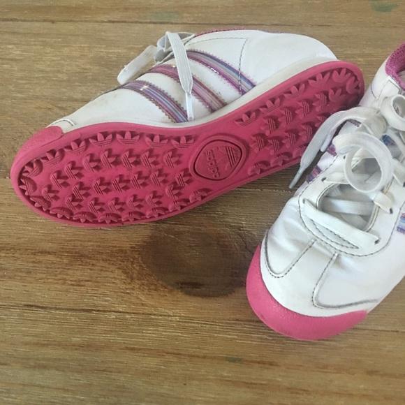 Adidas zapatos zapatillas de deporte de la vieja escuela de tres hojas poshmark logo Samoa