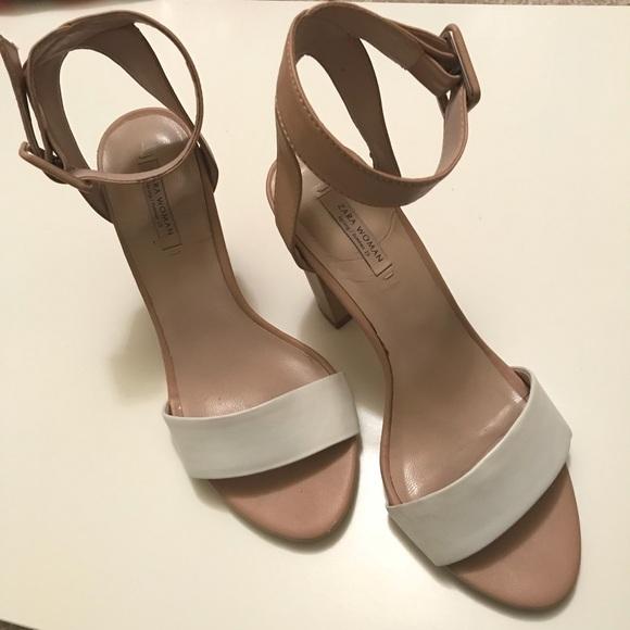 948a1ae409c5 ZARA White   Nude Block Heel Ankle Strap Sandals. M 5a014f7256b2d6d94800bb6e