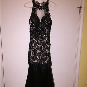 Sherri Hill Black Lace Dress