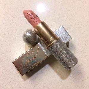 Dahhlinggg! Mariah Carey Cremesheen Lipstick