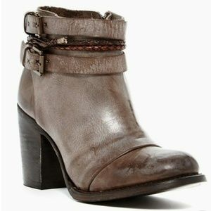 FREE PEOPLE/FREEBIRD Lion Leather Ankle Boot