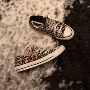Converse All Star Lo Sneaker in Tan Leopard