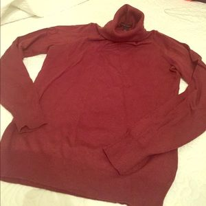 Banana Republic burgundy turtleneck