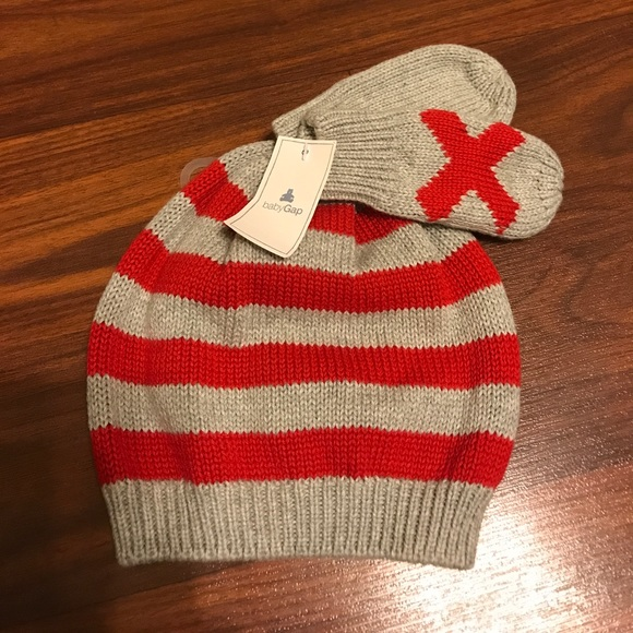 2685a5f3e0f (Host pick) Baby Gap boy winter hat   mittens set