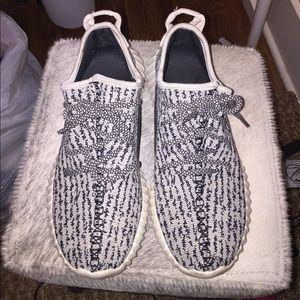 Adidas Grey and Black Look Alike Sneakers Sz 7.5