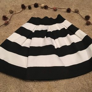 Striped structured skirt!