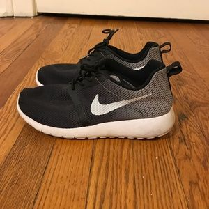 Nike Ombré Roshe Run Sneakers