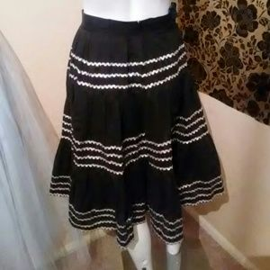 Vintage skirt with ric rac ribbon