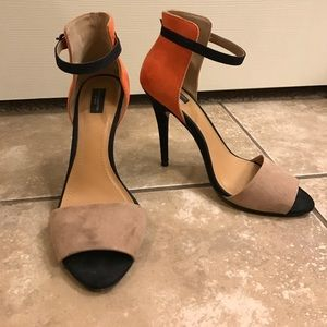 Zara ankle strap heels Black and Tan