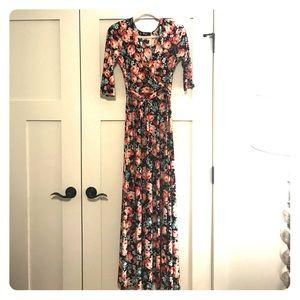 NWOT Tie waist floral maxi dress