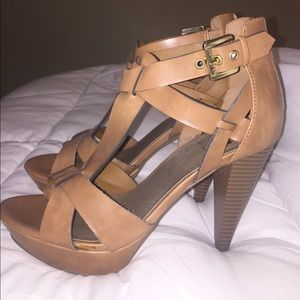 G by Guess Heels - Size 8