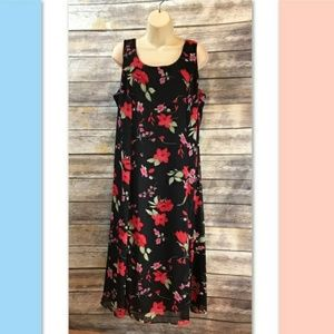 Studio One Maxi Floral Dress