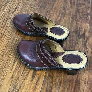 b.o.c. Leather clogs size 6