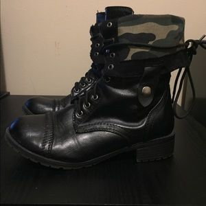 Combat Black Faux Leather Camo Boots Shoes 9