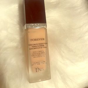 Dior Forever Foundation shade- 010 and 025
