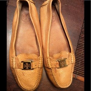 TORY BURCH leather moccasins great condition size9