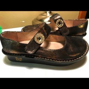 ALEGRIA Women's Mary Jane Metallic brown shoes 10