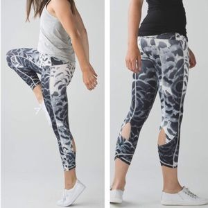 Lululemon winder under Pant * SE Dance Sz 2
