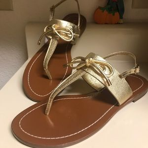 NWOT Kate Spade gold bow sandals 🎀