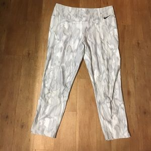Nike Capri White Marbled Leggings