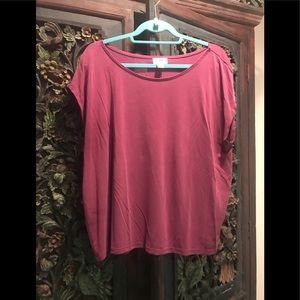 Boxy pullover blouse.