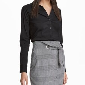 H&M black button down dress shirt