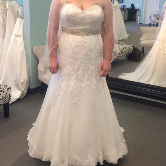 Sincerity Bridal Dresses & Skirts - **BRAND NEW NEVER WORN SINCERITY WEDDING DRESS**