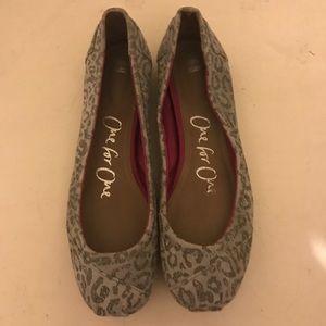 Grey leopard Toms ballet flats