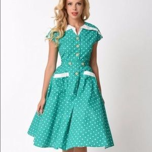 Unique Vintage Green and White Retro Dress Pinup