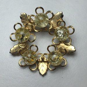 Jewelry - Vintage Gold Tone Confetti Glass Orb Wreath Pin