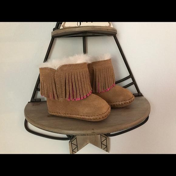 0eda4c6012a UGG Infant Branyon Fringe Wool Booties NWT