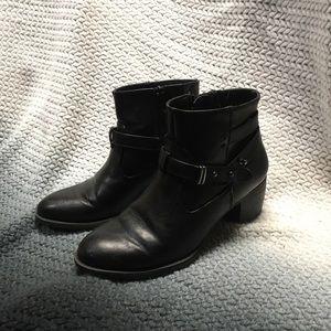 White Mountain Black Boots